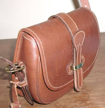 Dooney And Bourke All Weather Hand Bag The Smooth Hard Leather