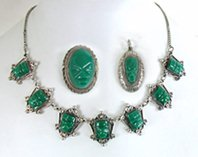 Lot Vintage Mexican Green Onyx necklace, pendant and pin pendant locket