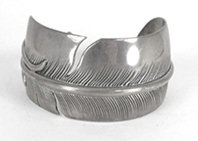 Vintage Sterling Silver Feather Bracelet 6 1/2 inch by Navajo silversmith William Vandever