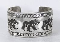 Authentic Native American vintage sterling silver Walking Bears Bracelet  6 3/4 inch by Navajo silversmith Roscoe Scott
