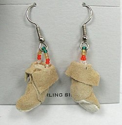 Native american leather moccasin craft earrings nos indian for Native american handmade crafts